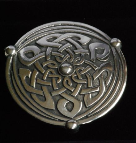 "Ladycrow Pewter Scarf Ring ""Shield"""